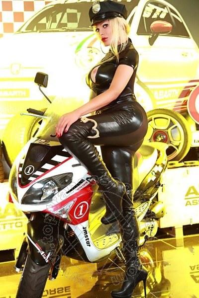 Vittoria Fashion  VITERBO 3533726200